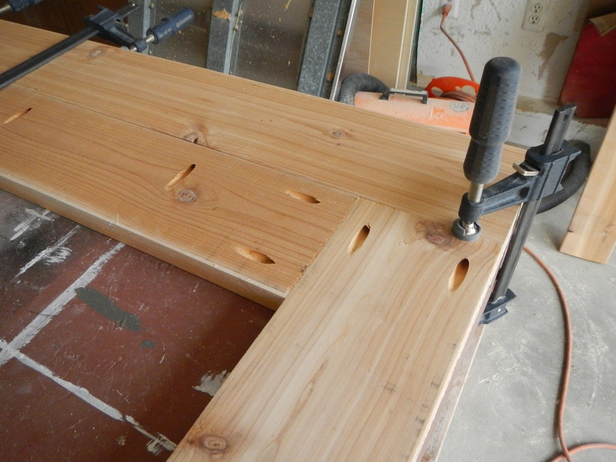 Once The Table Top Is Finished, Start Working On The Apron. This Will Give  The Table Top Its Stiffness. The Apron Is Made From Cedar 1x4s And Is  Centered On ...